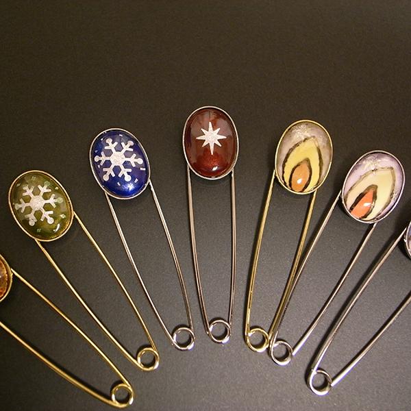 Winter stole pins